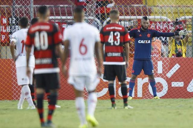 Muralha foi convocado por Tite para defender a seleção
