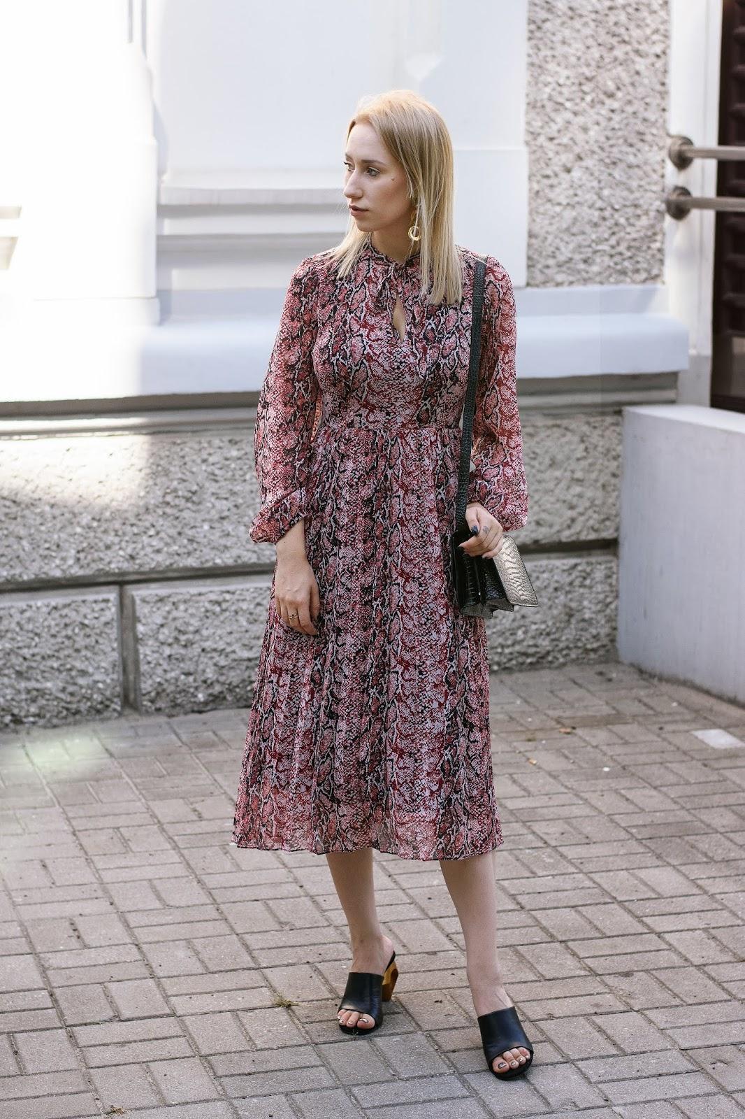 d3b69d2030 Ogromny wybór eleganckich sukienek znajdziecie tutaj – KLIK.