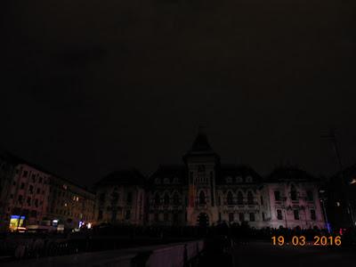 Piata Mihai Viteazul in intuneric