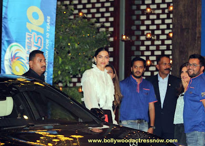 Bollywood Star Deepika Padukone at  party with the Mumbai Indians 08