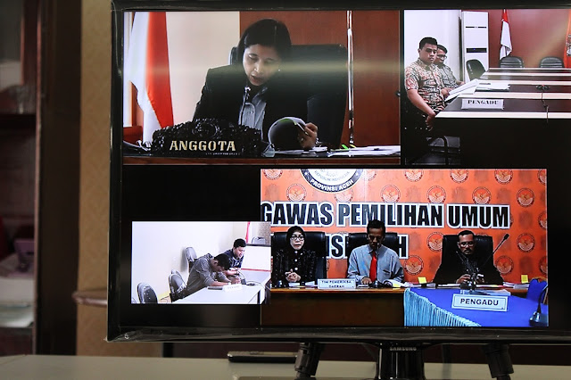 Persidangan DKPP melalui video conference di Jakarta, Kamis, 12 Januari 2016