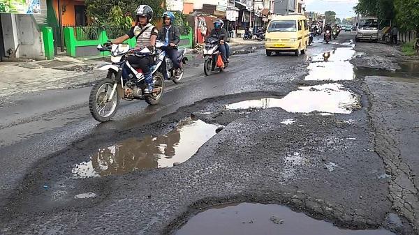 Sanksi Hukum Bagi Pemerintah Bila Membiarkan Jalan Rusak
