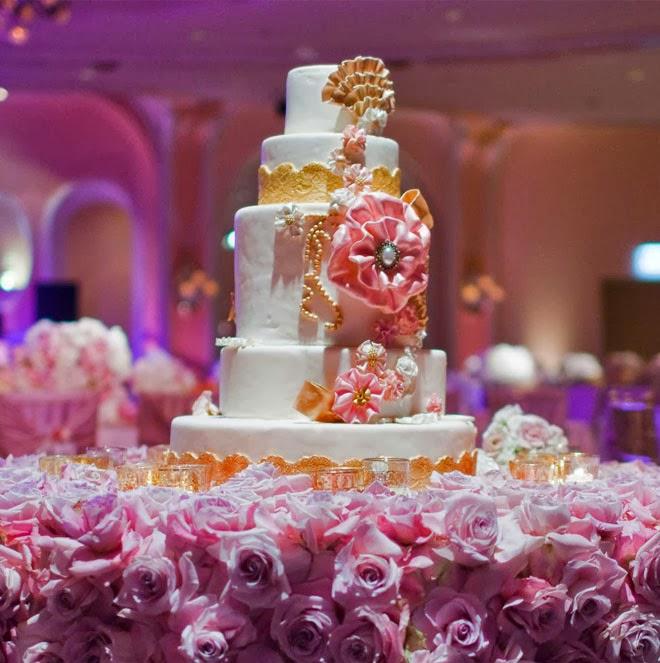 Cake Decorating Wedding Ideas: Fabulous Wedding Cake Table Ideas Using Flowers