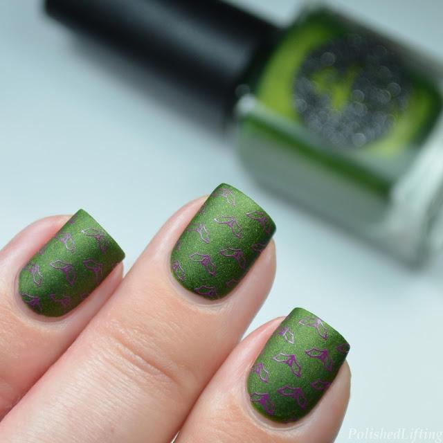 bat nail art