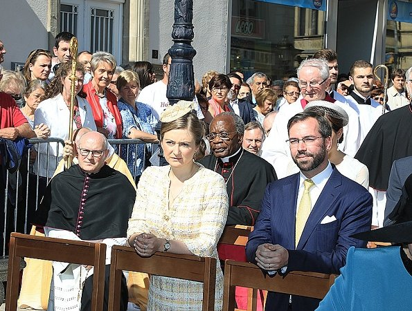 Grand Duke Henri and Grand Duchess Maria Teresa, Prince Guillaume and Princess Stéphanie, Prince Félix and Princess Claire at Pontifical Mass
