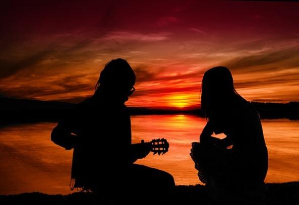 Sendirian Bersama Dirimu Kekasih di Sisiku