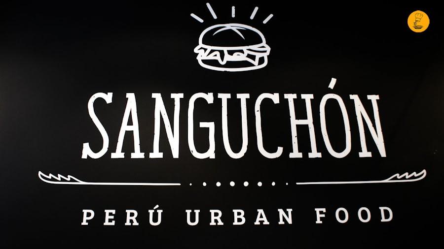 Sanguchón Madrid comida callejera peruana