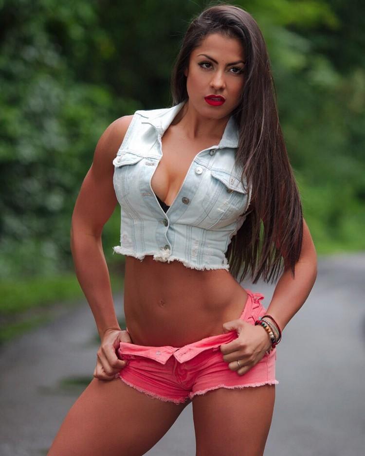 Cristina Silva fit girl