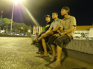 Wisata Malam di Tugu Muda Semarang