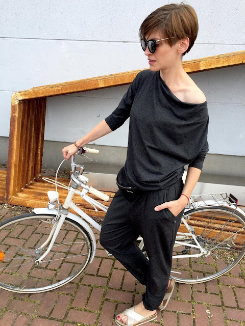 wakacyjny styl, kombinezon, jak nosić kombinezon, Novamoda streetstyle, nerka, stylizacja na rower