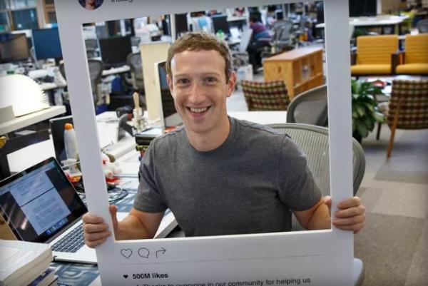 صورة تكشف الطريقة التي يستعملها مارك زوكربيرغ للحماية من التجسس على حاسوبه