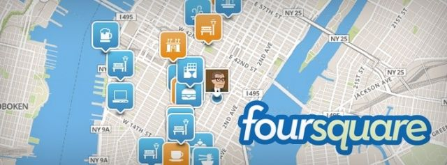 Microsoft is currently in discussions to invest in geolocation social network Foursquare. The Internet giant would compete with American Express, also interested