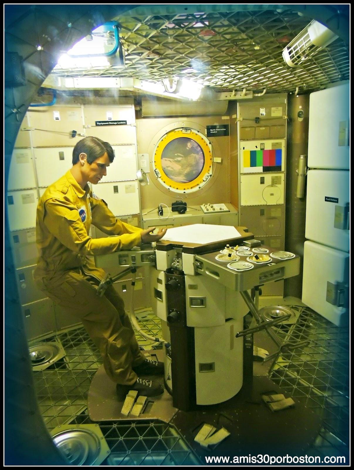 Austronautas en el Museo Nacional del Aire y el Espacio de Estados Unidos