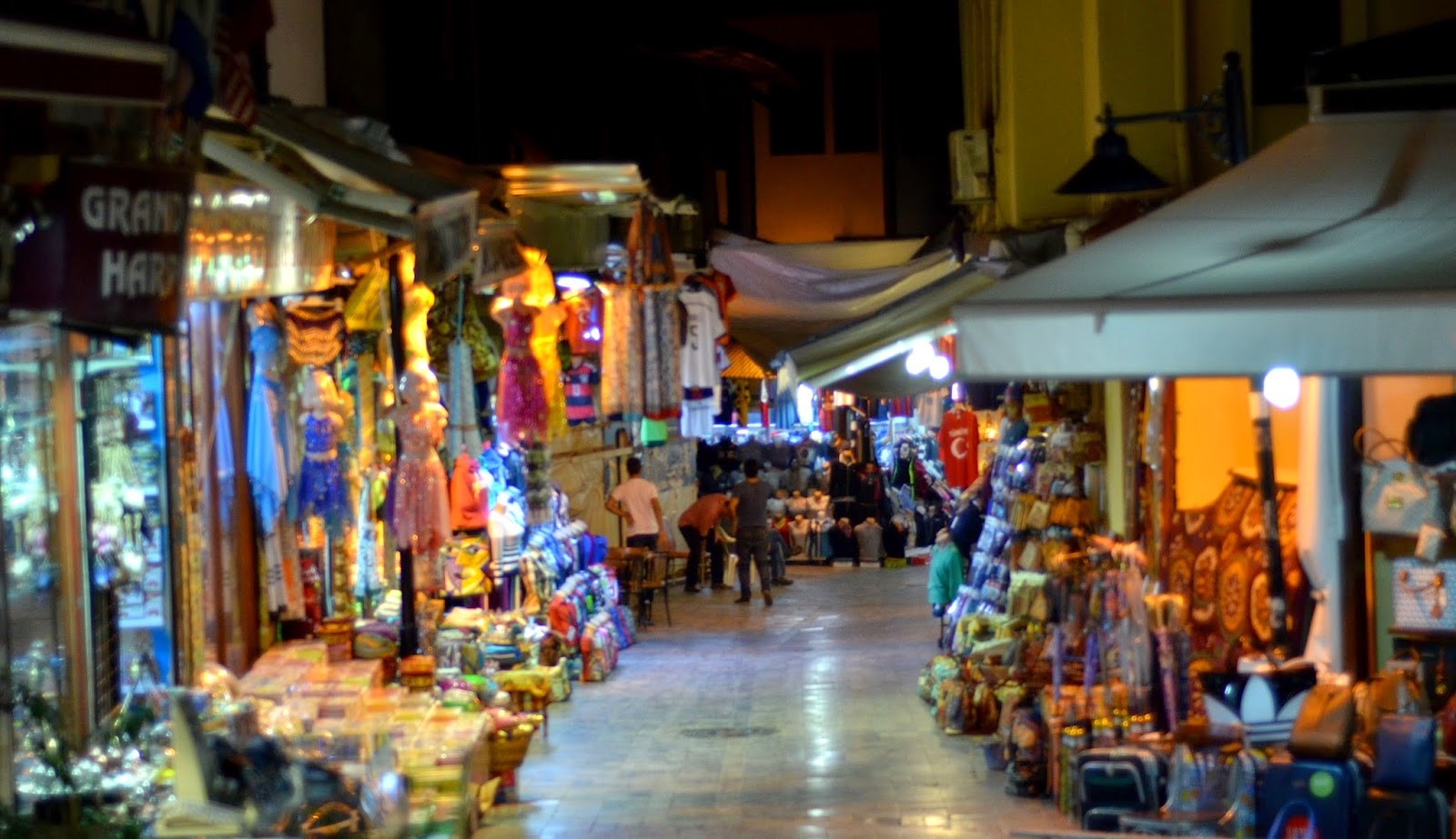 antalya-old-town-street-night