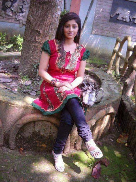 Pakistani And Indian Desi Punjabi Kudiyan In Kurti Photos -3510