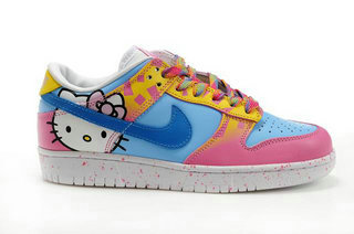 online retailer f219c 66c5f Hello Kitty Shoes Nike Dunk SB Cute Shoes For Girls