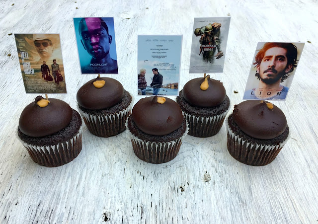 Golden Globes Printable Cupcake Toppers.  Perfect fun touch for a last minute party | www.jacolynmurphy.com