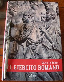 Portada del libro El ejército romano, de Yann le Bohec
