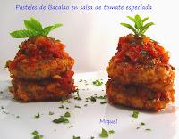 Pasteles de bacalao en salsa de tomate especiada