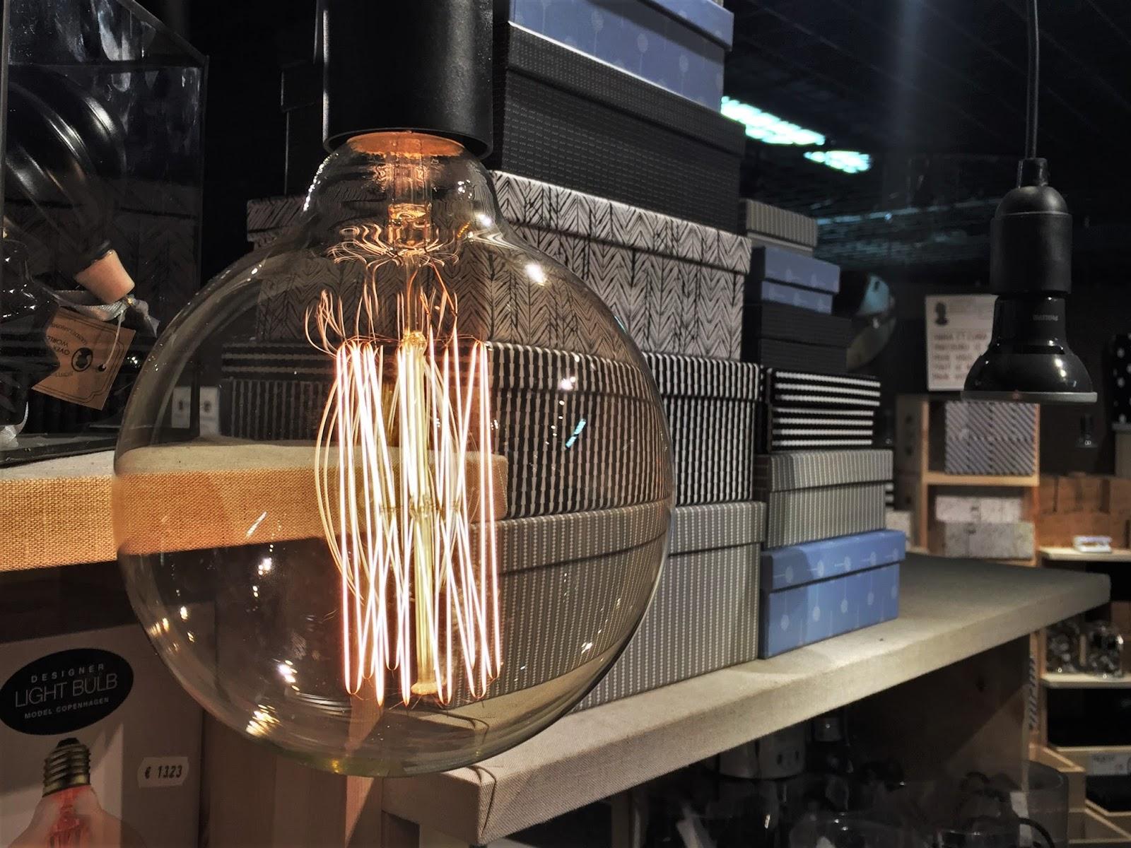 soeurs Sostrene Grene du danemark la défense paris ampoule filament