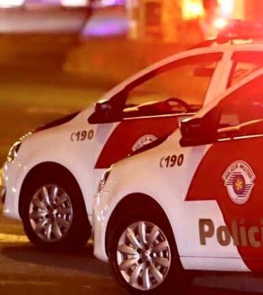 POLICIAIS MILITARES SÃO HOSTILIZADOS DURANTE ATENDIMENTO DE OCORRÊNCIA, MAS AGRESSOR É PRESO