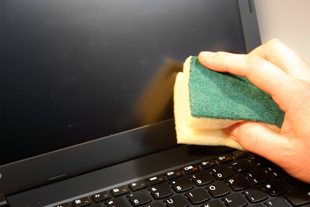Como limpar um ecrã do Portátil