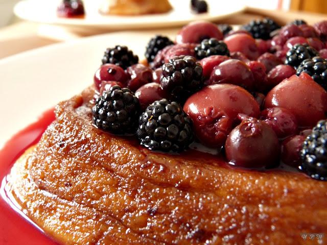 flan galletas maria con frutos rojos al microondas