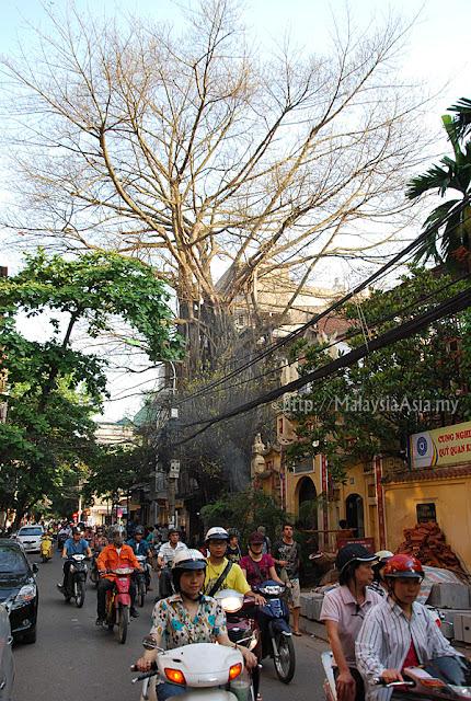 Street photos of Hanoi