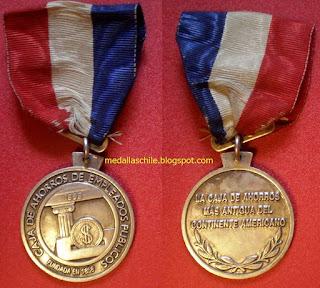 Medalla Reconocimiento Caja de Empleados Publicos