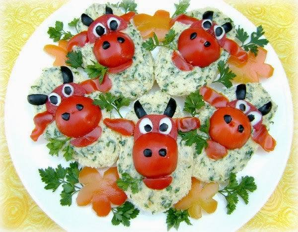 """божьи коровки, божьи коровки из помидоров, маслины, помидоры, помидоры черри, закуски """"Божья коровка"""", салаты """"Божья коровка"""", бутерброды """"Божья коровка"""", декор блюд, закуски из помидоров, украшение блюд, украшения из помидоров, салаты, закуски, бутерброды, блюда праздничные, блюда детские,"""
