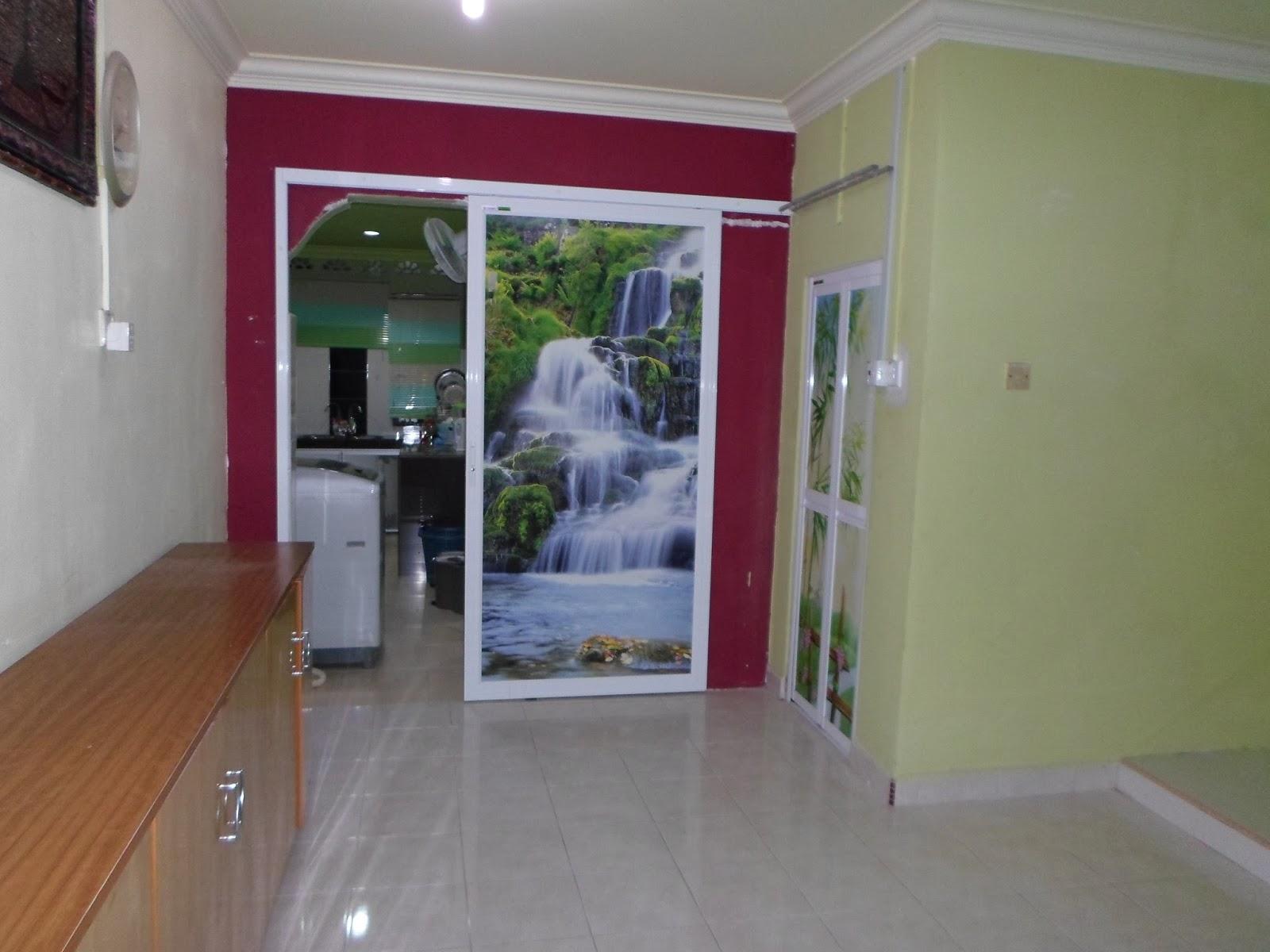 Ruang Tengah Menghubungkan Tamu Ke Dapur Dan Juga Tangga Untuk Tingkat Atas Terdapat Bilik Air