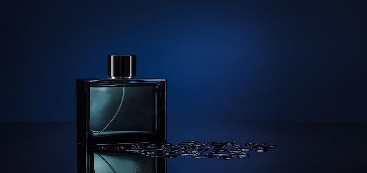 Top 10 Parfum Pria Paling Enak dan Terlaris di Indonesia yang Disukai Wanita