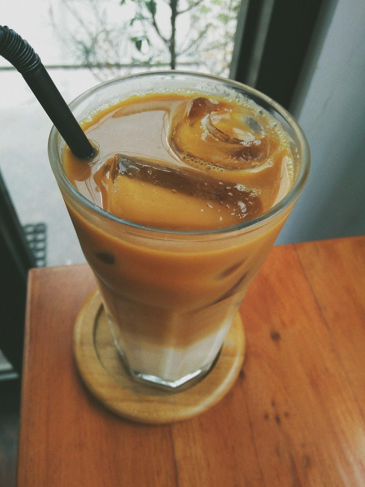 #JJJ - 4 Es Kopi Susu WAJIB COBA di Jogja - Maraville Coffee