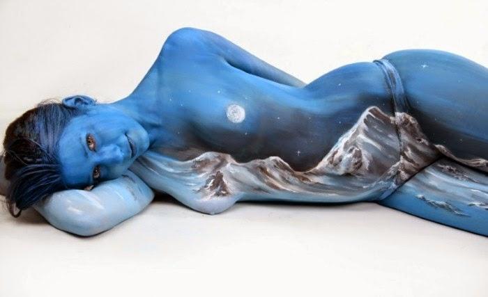 Необычный боди арт Гезине Марведель