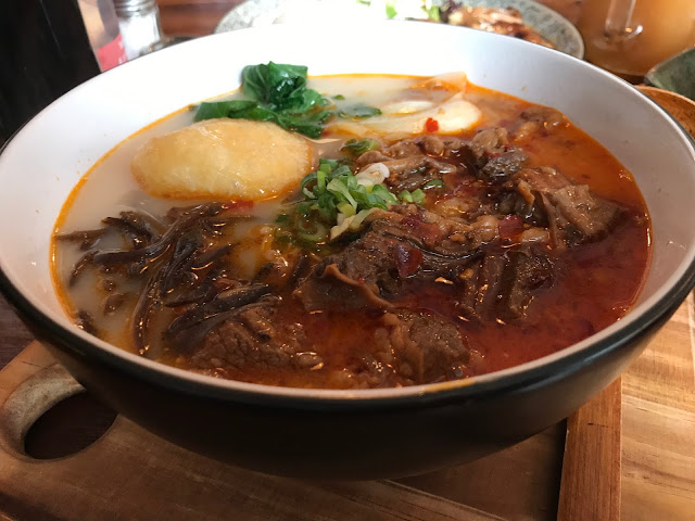 Meet_and_Treat_Cafe_Soup_Bowl