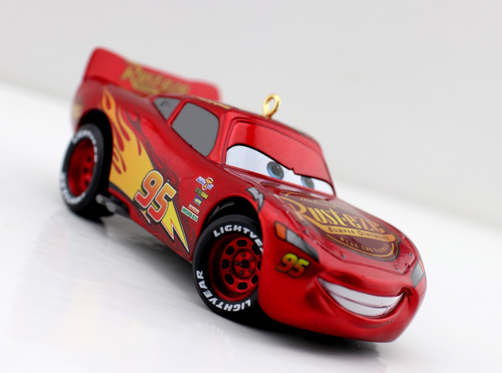 Cars 3: Hallmark 2017 Lightning McQueen Keepsake Ornament