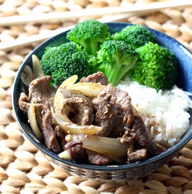 Slow Cooker Hoisin Five-Spice Beef with Broccoli recipe by SeasonWithSpice.com