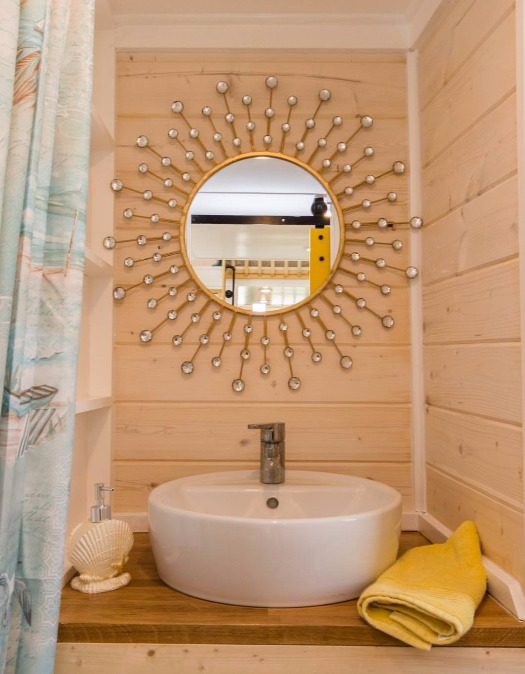 Tiny Beach House Bathroom