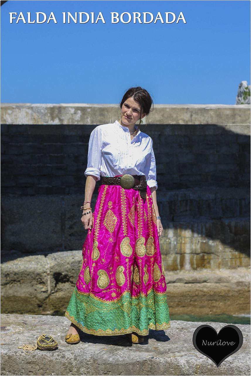 Falda india bordada, una joya en tu armario