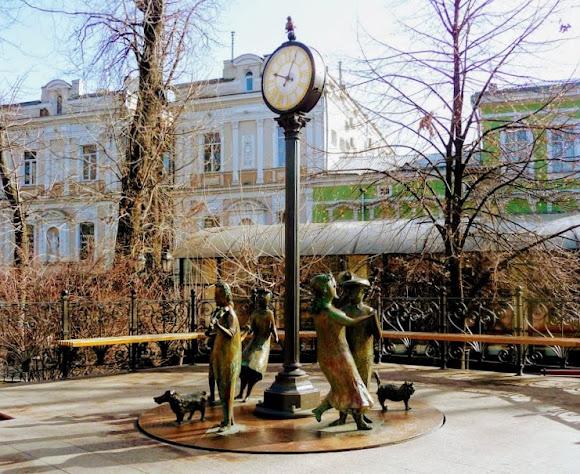 Одесса. Горсад. Памятник «Одесское время»