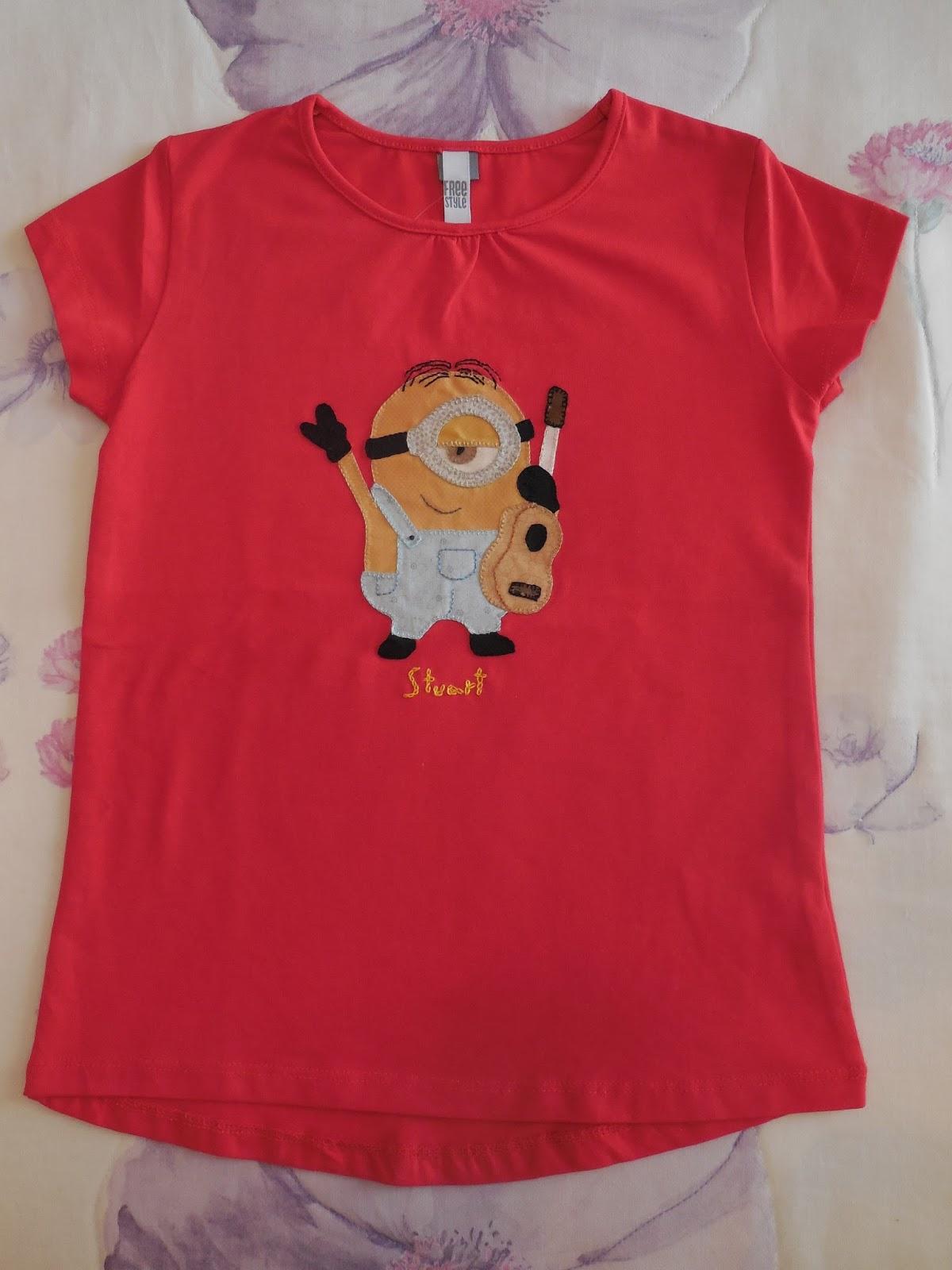 553ef5c375 ANMAR Hecho a mano  Camiseta minion Stuart patchwork