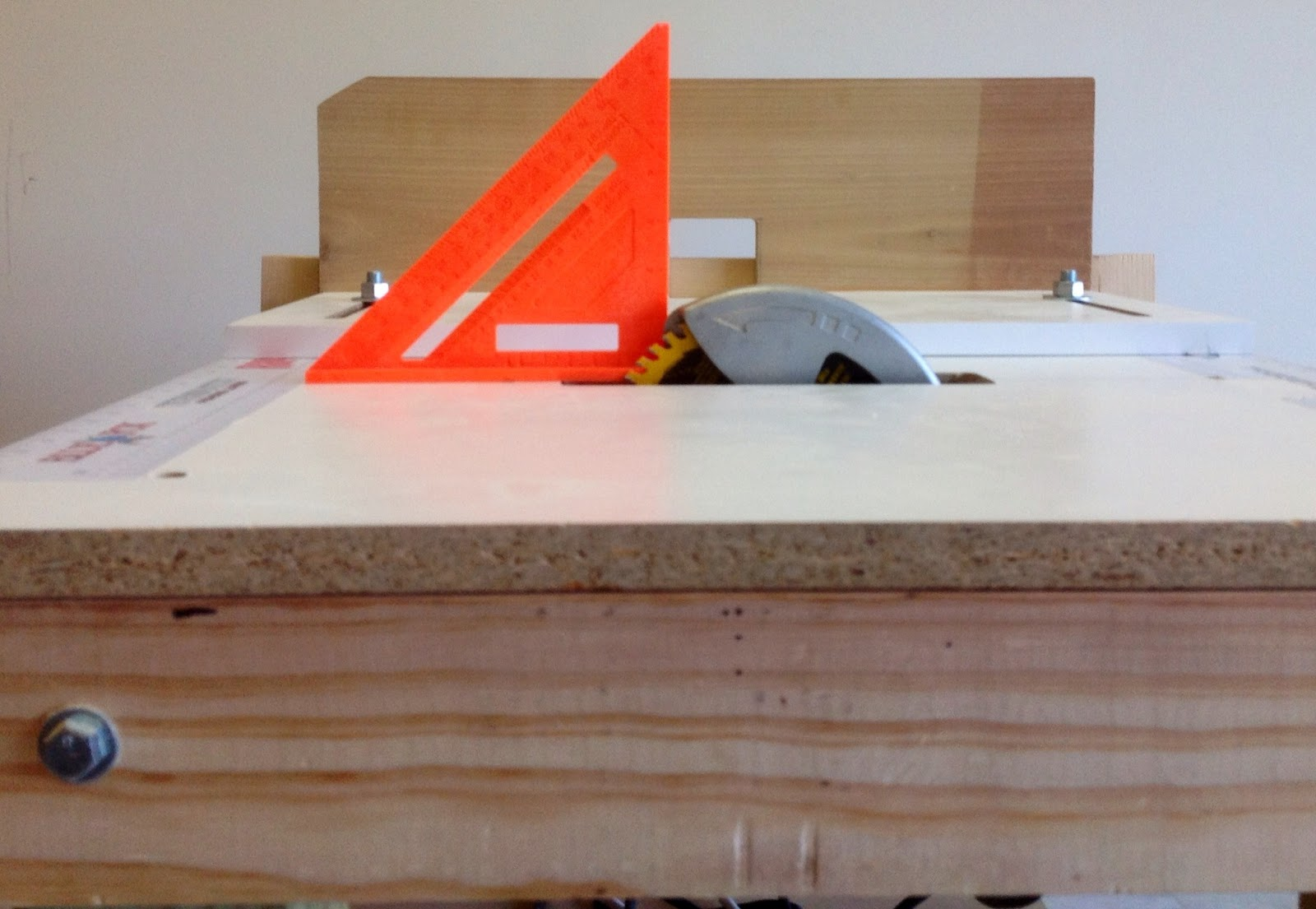 thinking wood: project 2 - diy portable 3-in-1 workbench