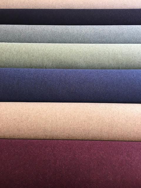 www.skumhuset.dk uld uldstoffer møbelstoffer møbeltekstil Wegner Mogensen Ge290 Tremmesofa lænestol ompolstring ombetrækning kvalitetstoffer pallesofa sofa pallehynde betræk