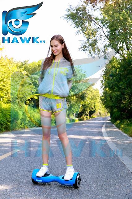 xe điện cân bằng iohawk màu xanh