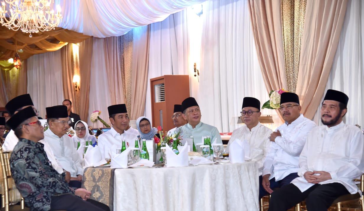 Presiden Hadiri Buka Bersama di Rumah Dinas Ketua DPR