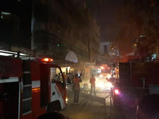 Gedung Eks Hotel Terbakar di Kawasan Taman Jodoh Boulevard Batam