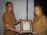 Dianggap Berjasa Membantu TKI, Purwakarta Mendapat Penghargaan dari Menteri Luar Negeri