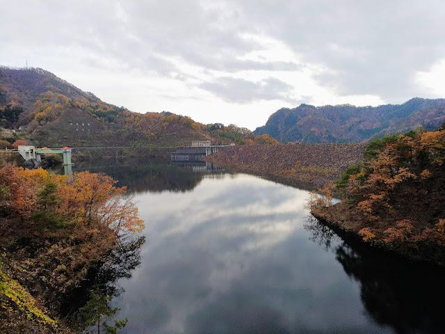 能泉湖 紅葉 荒川ダム