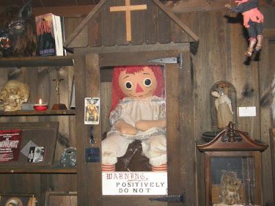 Patung Annabelle Sebenar