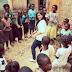 Bài học khi tôi đi làm từ thiện: Đừng cho đi một cách quá dễ dãi!